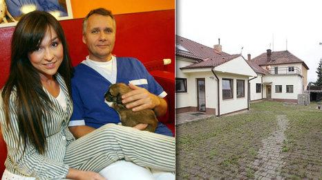 Provokující Hrachovcová bude bez domova: Manžel prodává barák za 43 milionů