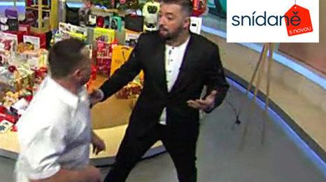 Rvačka ve Snídani s Novou: Před kamerou se do sebe pustili dva boxeři!