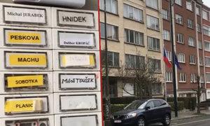 V Bruselu je panelák, kde bydlí jen Češi: Jaké mají úkoly pro stát?