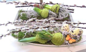 Vyrobte si jednoduchou jarní dekoraci na velikonoční stůl