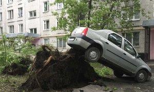 Vítr odnášel střechy, zabíjel lidi: Moskvou prošla vichřice hrůzy