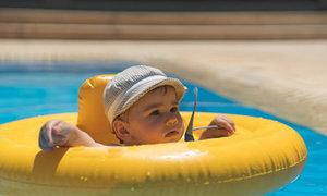 Malé dítě se topilo, i když mělo plovací kruh