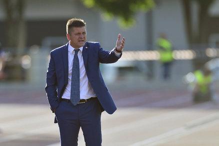 Nespokojený trenér Slavie Dušan Uhrin