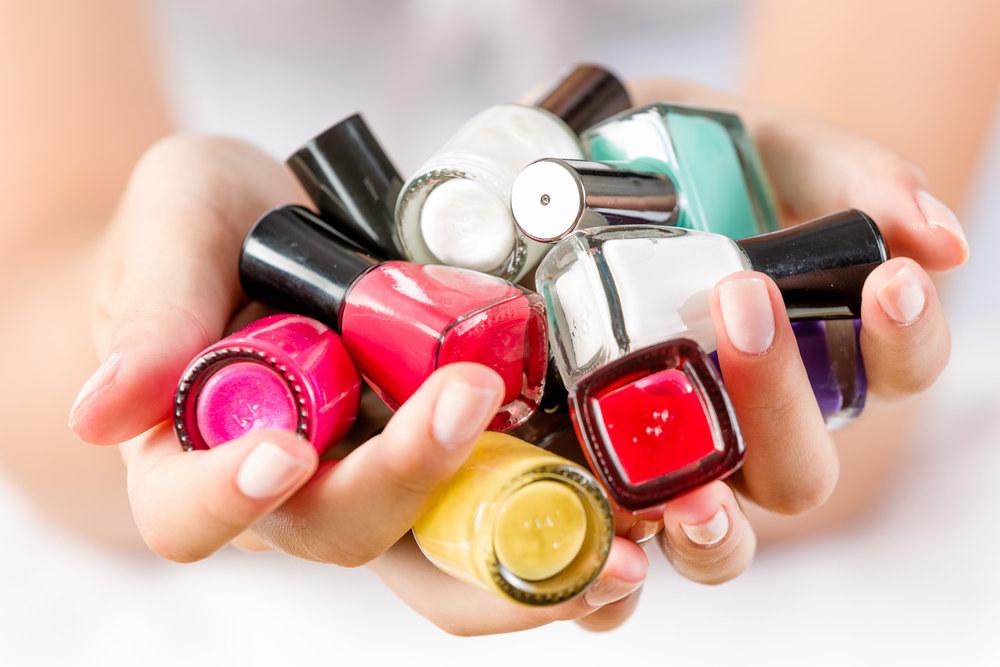 Jak si vybrat správný lak na nehty? Podle nálady i podle sezóny