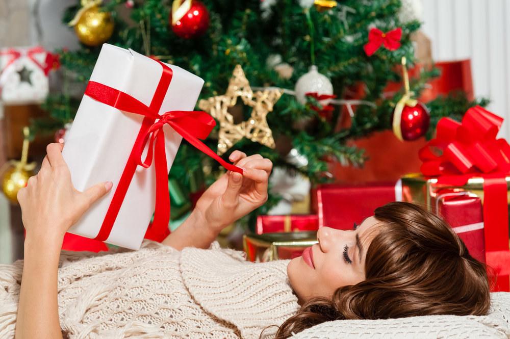 10 skvělých tipů na vánoční dárky pro ženy! Oblečení, doplňky i šperky