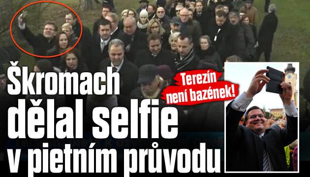 Škromachova selfie v pietním průvodu