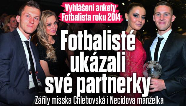 GALERIE: Fotbalisté ukázali své krásné partnerky!