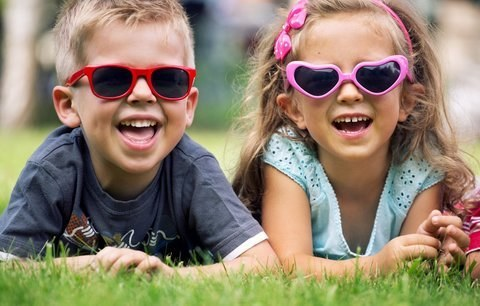Děti můžete do školy oblékat stylově, nedělejte z nich ale malé dospěláky!