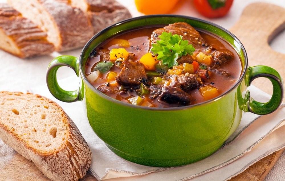 Babiččina gulášová polévka: Neobejde se bez hovězího, ale na kližku zapomeňte