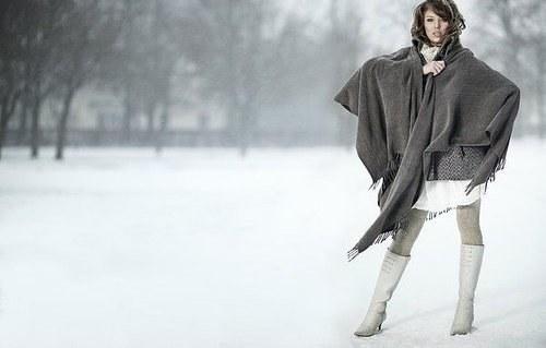 Nezůstávejte jen u kalhot! 6 typů sukní, které můžete nosit v zimě