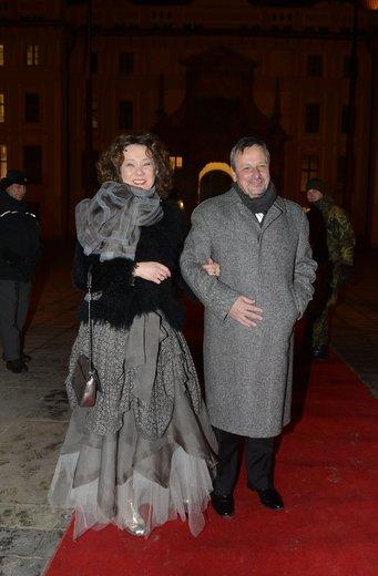 Martin a Petra Komárkovi: Choť poslance dress code nezvládla