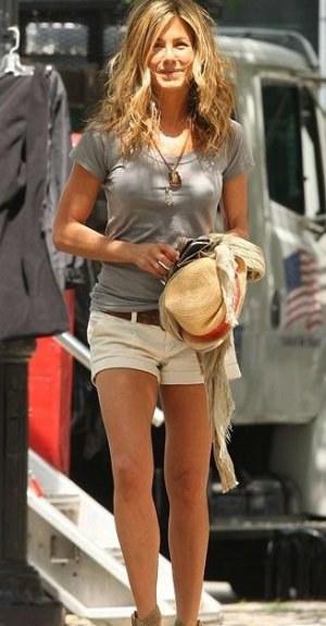 Styl podle celebrit: Ležérní letní outfit podle Jennifer Aniston