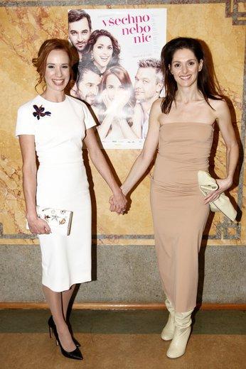 Tatiana Pauhofová a Klára Issová: Něžně žensky s malými přešlapy