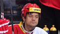 Herec Mádl se ukázal na lavičce hokejové Slavie