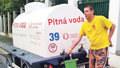 Praha 6 bez vody: Těhotnou ženu sprchuju hrníčkem