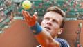 Parťáci z Davis Cupu hrajou proti sobě na Roland Garros