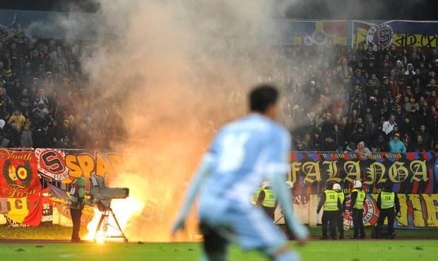 ONLINE: Zápas po řádění fanoušků pokračuje! Slovan - Sparta 0:0