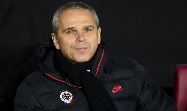 ROZHODNUTO?! Lavička zůstává trenérem pražské Sparty