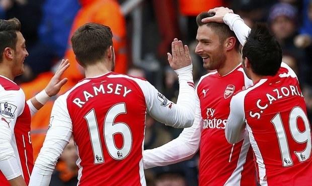 SESTŘIHY: Arsenal zničil Aston Villu 5:0, Chelsea hrála se City 1:1