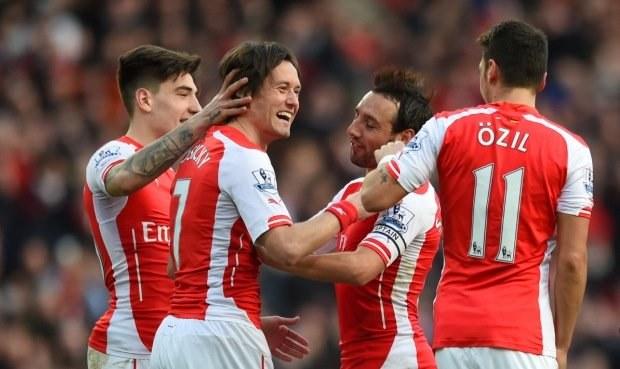 Rosický podtrhl výhru Arsenalu gólem, City prohrálo šlágr