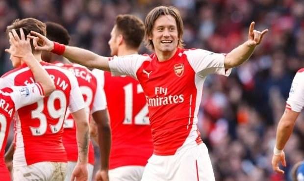 To se nečekalo! Rosický zůstane v Arsenalu, klub uplatnil opci
