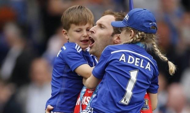 Čechův konec v Chelsea: Dva skvělé zákroky a oslavy s dětmi