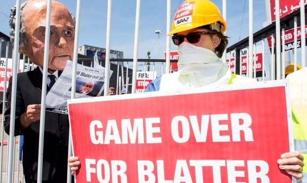 Skandál FIFA ONLINE: Blatter odmítl odejít, Češi radši volí prince