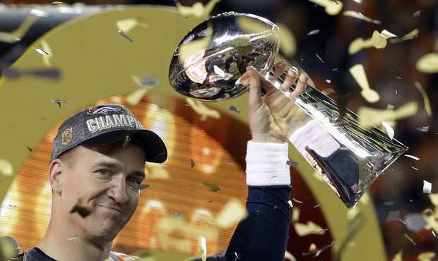 Šerif zatknul Super Bowl! Legenda mluvila o pivu i konci kariéry