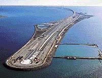 Umělý ostrov, který je součástí unikátního spojení Dánska a Švédska přes úžinu Öresund