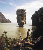 Thajsko, záliv Phangnga, oblíbené místo filmařů Jamese Bonda