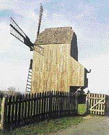 Sloupový větrný mlýn v Kloboukách u Brna