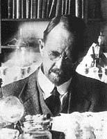 T. H. Morgan se zasloužil o to, že octomilka je dnes nejlépe prozkoumaným živočišným druhem