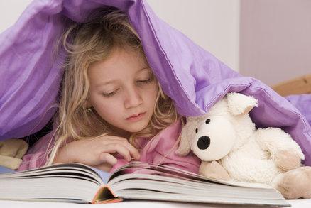 Pár tipů pro rodiče: Jak naučit své dítě milovat čtení a knížky?