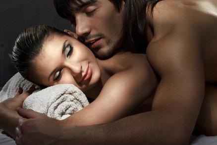 Pomalé bolestivé anální sex