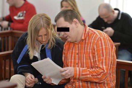Odsouzený vysokoškolák, který chtěl umučit bezdomovce, chce obnovit řízení. Soud to zamítl