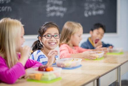 Pamlsková vyhláška platí natvrdo: Školní bufety mizí, naštvané jsou děti, školy i rodiče