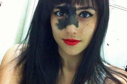 Chtěli jí odstranit znaménko na tváři. Udělala z něj svou přednost