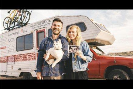 Bláznivý pár vzal svou kočku na cestu kolem Ameriky. Pluli i na kajaku