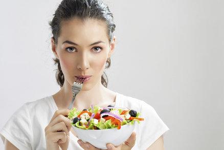 Tajemství úspěšného hubnutí se skrývá ve třech číslech, která si musíte pamatovat: 5, 8 a 10. Díky nim můžete skutečně rychle shodit. Ale pozor, zvažte, zda o takové tempo skutečně stojíte, protože lékaři doporučují maximálně pět kilo měsíčně. Čím rychleji budete hubnout, tím těžší bude nižší váhu udržet.