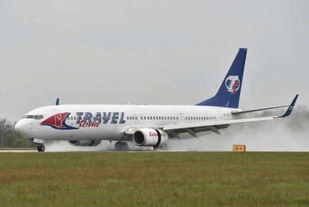 Letadlo se 168 pasažéry sjelo v Pardubicích z dráhy! Drama kvůli mokru na ranveji?