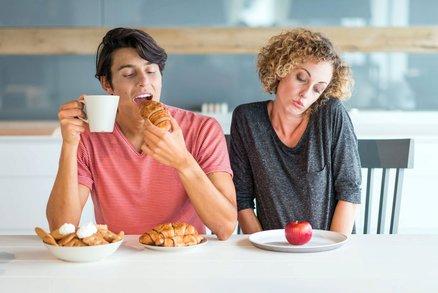 Příběh čtenářky: Sex jsme neměli dva roky. Vzrušuje ho jen jídlo!