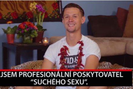 """Alternativní gigolo: Muž si vydělává tím, že má """"suchý sex"""" s klientkami"""