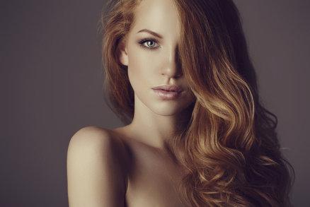 Jak mít krásné vlasy? Nedělejte jednu z těchto chyb!