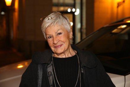 Zemřela Kamila Moučková (†92), zakázaná legenda roku 1968!