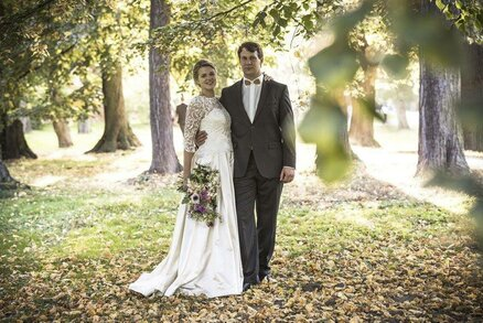 Příběh svatebních šatů aneb od nákresu po oltář