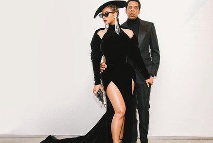 Nejkrásnější na Grammy 2018: Beyoncé i Rita Ora s rozparkem až do pasu