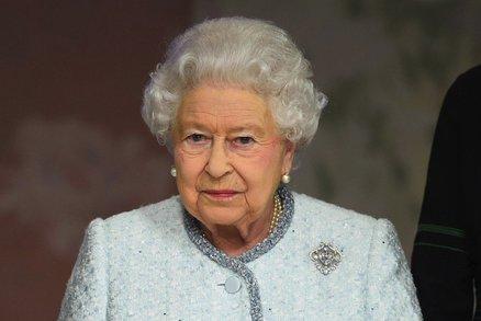 Už žádná brčka a PET lahve! Alžběta II. zakázala v Buckinghamském paláci plasty