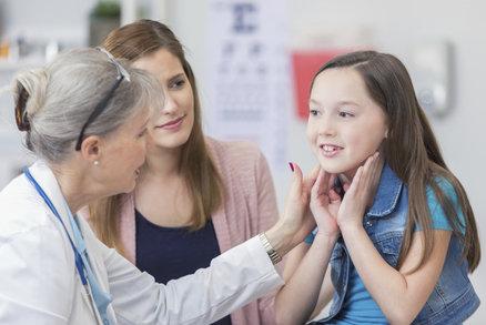 Léčit děti? Ani za sto tisíc! Noví pediatři nejsou, staří nemají nástupce