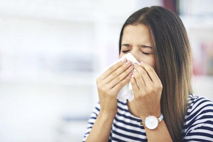 Pylová sezóna: Pozor na bouřky, ale i na sušení prádla venku