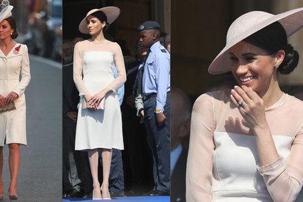 Meghan po svatbě kopíruje švagrovou Kate: Trikem s kabelkou si už zakrývá bříško!